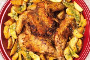 картошка и цыпленок табака в духовке