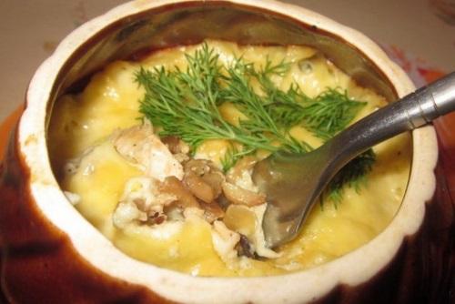 Жульен с свининой и грибами в горшочках в духовке рецепт