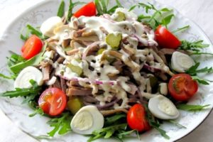 салат из вареного языка