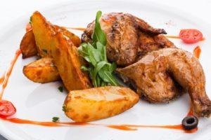 цыпленок табака и картошка в духовке
