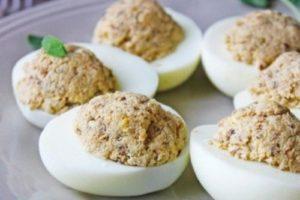 яйца рыбой консервированной фаршированные