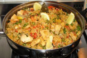 куриные грудки с овощами и рисом