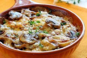 картофель запеченный с сыром и грибами